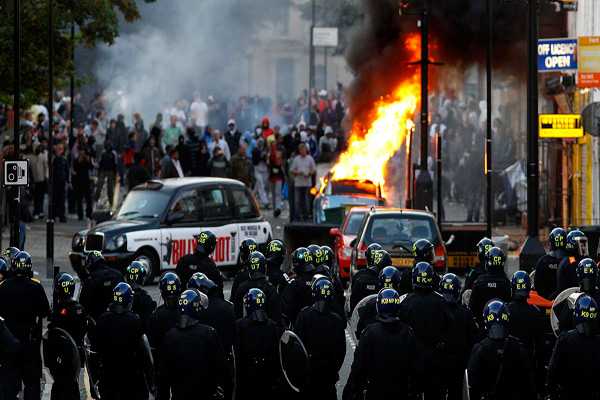 <strong>Babylon Burning &#8211; UK Riots 2011</strong>