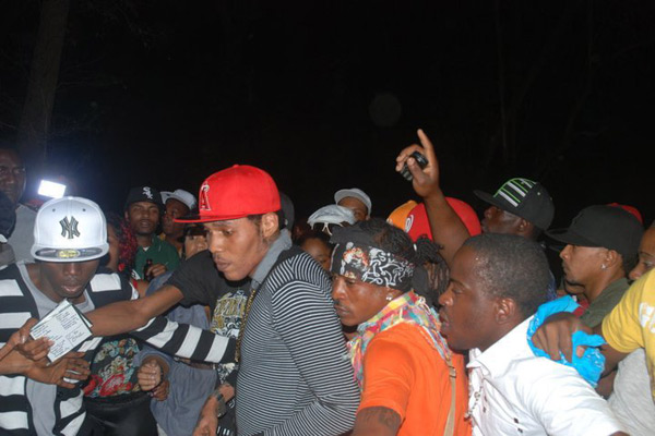 <strong>Vybz Kartel Vs Bounty Killer &#038; Sting 27</strong>