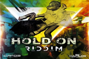 <strong>Listen To Hold On Riddim Mix CR203 Records [Jamaican Dancehall Music]</strong>