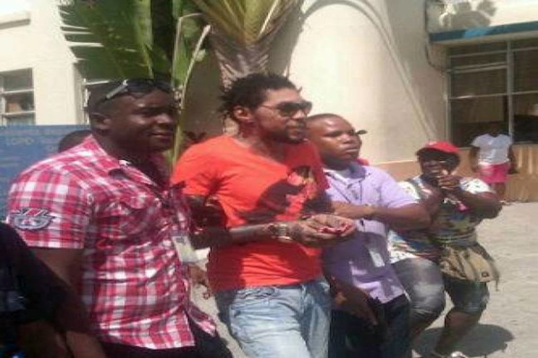 Vybz Kartel TAKEN TO HOSPITAL JUN E27 2013