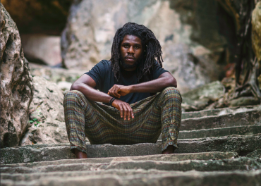 <strong>Chronixx Announces His 2017 USA Tour &#038; Title Of Debut Album Chronology</strong>