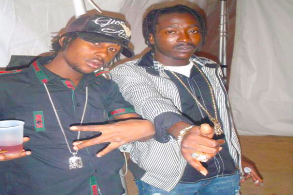 <strong>POPCAAN &#038; BLAK RYNO LYRICAL WAR ON THE MP40 RIDDIM</strong>